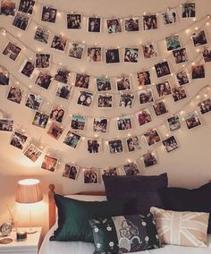 21 Ideen, um ein Zimmer mit Fotos zu dekorieren – – Bilderrahmen Wand – Water 21 ideas to decorate a room with photos – … – photo frame wall – frame … Cute Room Ideas, Cute Room Decor, Teen Room Decor, Room Wall Decor, Picture Room Decor, Photo Wall Decor, Dorms Decor, Dorm Decorations, Buy Decor