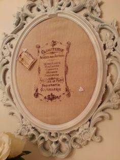 Fabric pin board tutorial. Do It Yourself Crafts, Crafts To Make, Diy Crafts, Fabric Pin Boards, Cork Boards, Art Auction Projects, Santa Crafts, Bottle Cap Art, Cork Art
