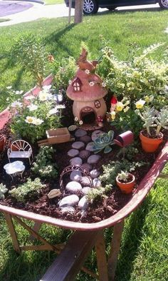 Super DIY Fairy Garden Ideas on a Budget … - Diy Garden Projects Diy Garden Projects, Garden Crafts, Mini Fairy Garden, Fairy Gardening, Fairies Garden, Fairy Garden Plants, Gardening Quotes, Fairy Garden Houses, Flowers Garden