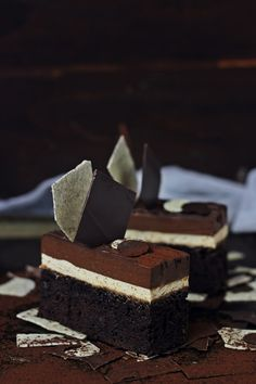 Devil's Food Cake with Coffee Mousse and Chocolate Cremeux Entremet Recipe, Chocolat Recipe, Coffee Mousse, Cake Recipes, Dessert Recipes, Sweets Cake, Chocolate Desserts, Chocolate Slice, Pastry Cake