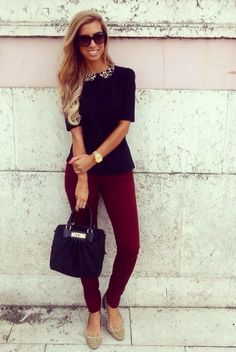 Love the peter pan collar on the blouse