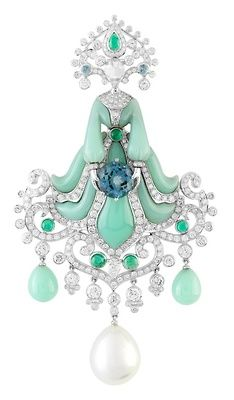 Truely inspiration jewellery.  Van Cleef & Arpels; turquoise, sapphires and diamonds.