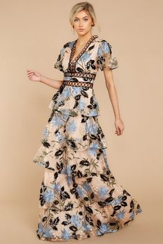 Discover the best maxi dresses for sale at Red Dress Boutique. Find gorgeous maxi dress outfits in a variety of colors and print styles. Elegant Maxi Dress, Boho Dress, Simple Dresses, Cocktail Bridesmaid Dresses, Maxi Dress Wedding, Vestidos Vintage, Spring Dresses, Maxi Dresses, Designer Dresses