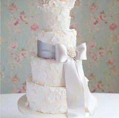Wedding cake lace grey gorgeous