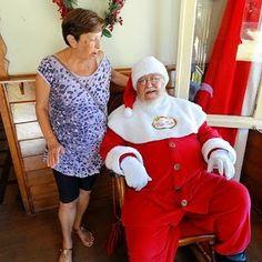 Quem é que gosta do bom velhinho??? EU!!!!!!! Para quem não consegue esperar até o natal para voltar a ser criança então a nossa dica é ir atrás do papai noel lá em Gramado no Rio Grande do Sul. Ele fica lá o  ano inteiro em sua charmosa casa localizada na Aldeia do Papai Noel.  http://ift.tt/1NbE54u  #mundoafora #dedmundoafora  #travel #viagem #tour #tur #trip #travelblogger #travelblog #braziliantravelblog #blogdeviagem #rbbviagem #tripadvisor #trippics #instatravel #instagood…