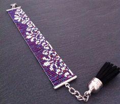 Bracelet Manchette Dentelle Violet Irisé par TDFTheDreamFactory, €23.00 Seed beads loom bracelet.