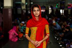 INDIA - A year ago, we sharedthe incredible story of Mihaela Noroc—a photographer who quit her job, withdrew her savings, and embarked on a mission to capture portraits of women from every country in the world. The ambitious, ongoing project highlights beauty that exists everywhere