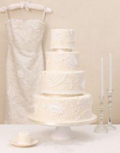 Another Zoe Clark cake, is time inspired by a Caroline Castigliano wedding dress.