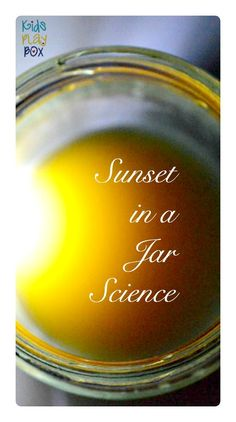 Science Experiment in a jar mimicking the sky - sunset and blue sky.. Why you don't want deep red/orange beautiful sunsets.. #scienceforkids #scienceexperiments