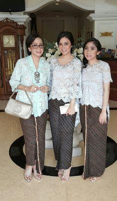 Kebaya lace modern....