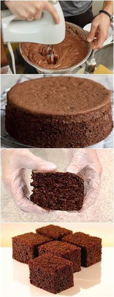 BOLO DE CHOCOLATE MASSA PÃO DE LÓ,FÁCIL FICA SUPER FOFINHO!! VEJA AQUI>>>Despeje a massa do pão de ló de chocolate em uma forma de 22 a 25 cm, untada e enfarinhada somente no fundo ou com o fundo forrado com papel manteiga. #receita#bolo#torta#doce#sobremesa#aniversario#pudim#mousse#pave#Cheesecake#chocolate#confeitaria