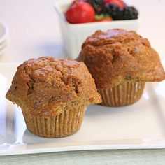 These pineapple carrot muffins are one of our healthiest muffin recipes. Easy to turn into sugar free muffins. These are whole wheat muffins at their best. Diabetic Muffins, Healthy Carrot Muffins, Carrot Cake Muffins, Healthy Muffin Recipes, Healthy Snacks, Yogurt Muffins, Healthy Pumpkin, Eating Healthy, Morning Glory Muffins