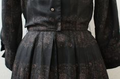 1950s dress / FLORAL PRINT Day dress / Black by friendlyfoxvintage, $52.00