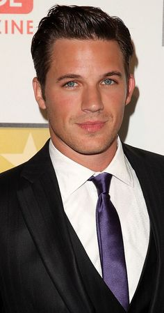 Matt Lanter - I'm pretty sure I have a thing for dark hair and blue eyed men! I'm loving Star-Crossed! Black Hair Green Eyes, Blue Hair, Actors With Black Hair And Blue Eyes, Men With Blue Eyes, Blue Green, Beautiful Eyes, Gorgeous Men, Beautiful People, Amazing Eyes