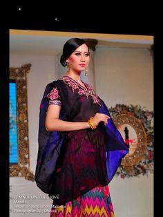 Femme Makassar Indonesian Wedding, Makassar, Kebaya, Mall, Saree, Culture, Fashion, Moda, Fashion Styles