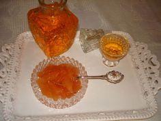 κυδωνι-γλυκο-κουταλιου Greek Cooking, Punch Bowls, Sweet Treats, Recipes, Sweets, Recipies, Recipe