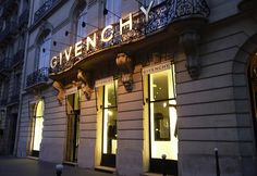 gg2p Through Fashionable Paris in the steps of Audrey Hepburn   givenchy