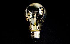 Woonder: Ein Startup aus Berlin macht Suche nach Handwerker für Dein Projekt leichter... Light Bulb, Berlin, Articles, Home Decor, Made To Measure Furniture, Searching, Projects, Gifts, Decoration Home