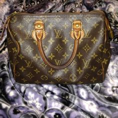 Louis Vuitton Used LV speedy 25 code SD0984 corners are great no pipping coming out no stains inside or outside comes with lock number 300 Louis Vuitton Bags