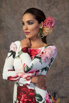 Spanish Eyes, Spanish Woman, Photography Women, Portrait Photography, Spanish Dancer, Costumes Around The World, Flamenco Dancers, Gypsy, Absolutely Gorgeous