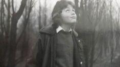 W latach 70. wybuchła wśród dzieci na Śląsku tajemnicza epidemia. Miały zaburzenia ruchu, ziemistą cerę, objawy niedożywienia, czarne obrzeża dziąseł. Czy jej konsekwencje widzimy do dzisiaj? Rozmowa z Michałem Jędryką, autorem książki 'Ołowiane dzieci. Zapomniana epidemia', w której opisał własną historię. Pediatrics, Author, Historia