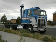 From the movie White Line Fever.Have always liked these Ford 9000 COEs