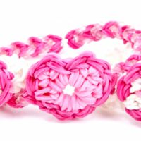 Heaps of rainbow loom patterns incl Heart Charm Pattern