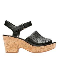 5283c976c4a4 Clarks Maritsa Nila - Black Leather 6.5 Medium Smart Casual Sandals