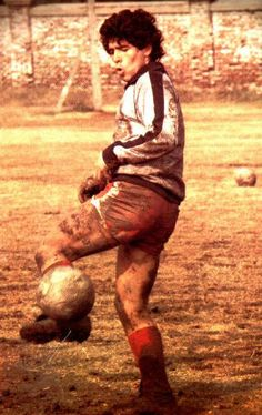 Football Is Life, Football Gif, Retro Football, Football Design, Sport Football, Retro Pictures, Retro Pics, Real Madrid Team, Diego Armando