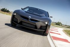 This hydrogen fuel cell BMW concept, developed with Toyota, can travel 300 miles on one tank. Images credit BMW Liquid hydrogen is the cleanest… Bmw I8, Hydrogen Car, Used Cars Movie, Bmw Sport, Car Guide, New Bmw, Us Cars, Electric Cars, Concept Cars