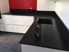 silestone grey expo leather paired with ann sacks metro. Black Bedroom Furniture Sets. Home Design Ideas