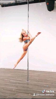 Pole Dance Moves, Pole Dance Fitness, Pool Dance, Pole Dance Wear, Pole Dancing, Aerial Dance, Dance Flexibility Stretches, Pole Tricks, Pole Art
