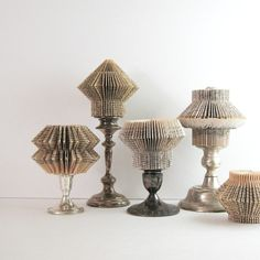 Livre papier Art Sculpture - papier Cog - un ornement roman poche recyclé - Neutral Modern Art Home Decor - Art industriel Installation