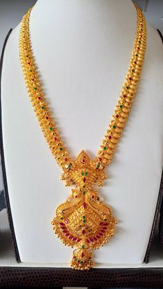 Dec 2019 - This Pin was discovered by Sagarika. Discover (and save! Dec 2019 – This Pin was discovered by Sagarika. Discover (and save!) your own Pins on Pintere Gold Chain Design, Gold Bangles Design, Gold Earrings Designs, Gold Jewellery Design, Handmade Jewellery, Necklace Designs, Gold Haram Designs, Gold Mangalsutra Designs, Gold Designs