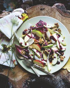 Witlof-appelsalade met bosbessendressing - Foodies