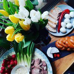 """9 kedvelés, 0 hozzászólás – Boldogság buborék Design (@boldogsag_buborek2) Instagram-hozzászólása: """"#easter#breakfast#bunny#tulip#spring 🐇😋🐰"""" Table Decorations, Spring, Furniture, Instagram, Home Decor, Decoration Home, Room Decor, Home Furnishings, Home Interior Design"""