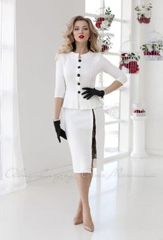 "Spectacular two-piece suit ""Film star""in vintage style with guipure lace cut The image of a Hollywood actress is guaranteed - - Suits For Women, Clothes For Women, Hollywood Red Carpet, Bright Dress, Beautiful Suit, White Suits, Dress Suits, Business Outfits, Mode Style"