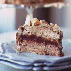 Dacquoise La Côte Basque Recipe La Côte Basque's Dacquoise - my heavens I love the combination of crisp meringues, coffee almond butter cream and chocolate ganache. Dacquoise Recipe, Hazelnut Meringue, French Dessert Recipes, Cake Recipes, French Recipes, Party Recipes, Desserts To Make, Desserts, Pastry Chef