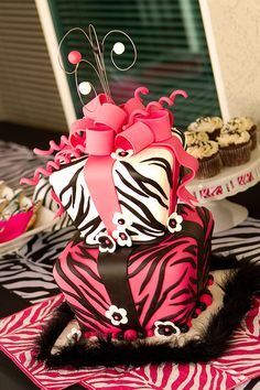 Pink Zebra <3 Too bad we don't know what she's having yet! Great birthday idea!