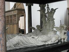 De unieke graftombe van Reinoud III van Brederode in de Grote Kerk van Vianen. Een uit de 16e eeuw daterende dubbeldeks graftombe van Reinoud III van Brederode en zijn echtgenote Phillipote de la Marck. Verschillende Brederode's liggen begraven in de kelder onder de graftombe.