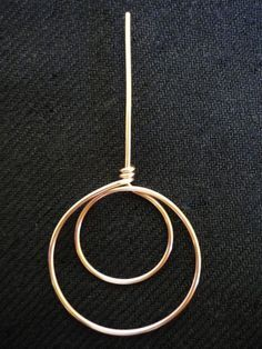 awesome DIY Bijoux - how to make a double circle shape, can be used for earrings ~ Wire Jewelry Tutor...