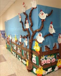 Adorable Farm Bulletin Board- photo only! Great display for farm topic! Best crafting ideas for children 2019 crafting ideas for children Arts And Crafts House Style Info: 7636460868 old macdonald's farm Kids Crafts, Preschool Crafts, Diy And Crafts, Craft Projects, Arts And Crafts, Preschool Farm, Creative Crafts, Craft Ideas, Farm Animal Crafts
