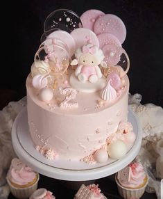 Amaziiing cake 🎈🎈🎈🎈🍭🍭🍭 by Her cake is so original! 1st Birthday Cake For Girls, Baby Birthday Cakes, Pretty Cakes, Cute Cakes, Art Party Cakes, Cake Designs For Girl, Strawberry Birthday Cake, Torta Baby Shower, Baby Girl Cakes
