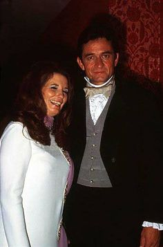 Johnny & June 1970 Johnny Cash June Carter, Johnny And June, Country Musicians, Country Artists, John Cash, Country Music Stars, Famous Singers, Music Artists, The Man