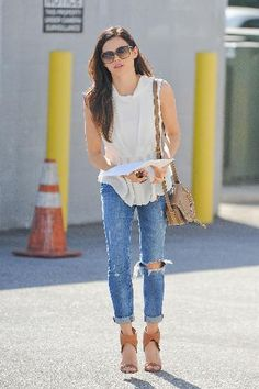 rachel bilson <3 ripped jeans