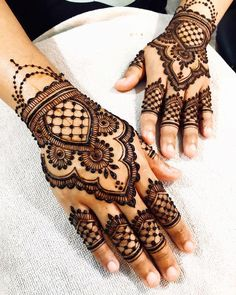 50 Most beautiful Rajasthani Mehndi Design (Rajasthani Henna Design) that you can apply on your Beautiful Hands and Body in daily life. Henna Flower Designs, Pretty Henna Designs, Wedding Henna Designs, Henna Tattoo Designs Simple, Full Hand Mehndi Designs, Henna Art Designs, Mehndi Simple, Mehndi Designs For Fingers, Mehndi Design Images