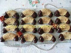 Ořechové rohlíčky s dírkou
