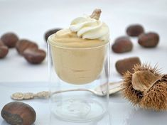Maronimousse An irresistible chestnut mousse is sure to be eaten right away and is an incredibly great recipe tip in the chestnut season. Sweets Cake, Cookie Desserts, No Bake Desserts, Cupcake Cakes, Cake Recipes, Dessert Recipes, Roasted Chestnuts, Thermomix Desserts, Delicious Deserts