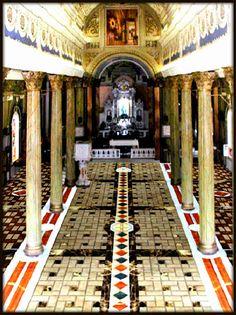 Interior de La Basílica de Nuestra Señora La Chiquinquirá en Maracaibo, Venezuela <3