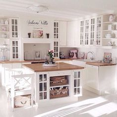 My dream kitchen Small but nice - Best Interior Design Ideas Home Decor Kitchen, Country Kitchen, Interior Design Living Room, Home Kitchens, Living Room Designs, Kitchen White, Küchen Design, House Design, Sweet Home